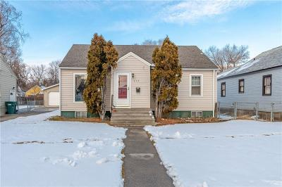 Single Family Home For Sale: 717 Wyoming Ave