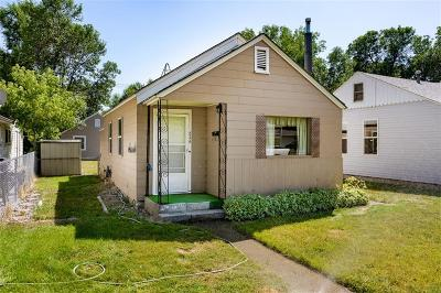 Single Family Home For Sale: 826 Howard Avenue