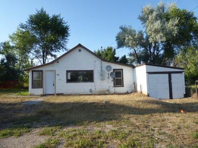 Single Family Home For Sale: 511 E Carbon Avenue
