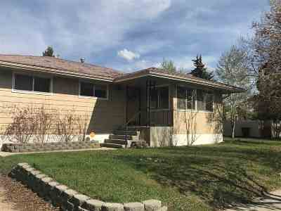 Single Family Home UC W INSPECTION CONTINGEN: 2030 Adams