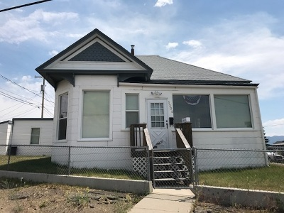 Single Family Home For Sale: 1204 N Main St