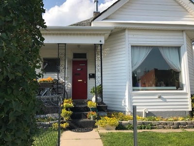 Single Family Home ACTIVE: 823 W Copper