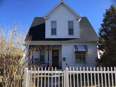 Single Family Home For Sale: 710 S Washington