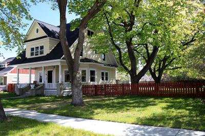 Hamilton Single Family Home For Sale: 610 S 2nd St