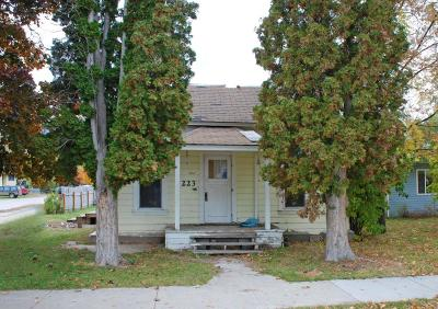 Hamil Single Family Home For Sale: 223 S 7th St