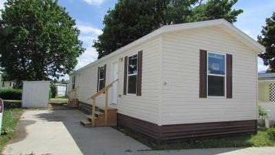Hamilton Single Family Home For Sale: 221 E Desmet St