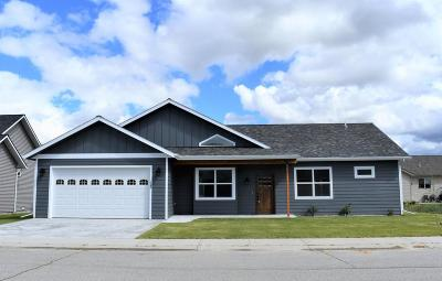 Hamilton Single Family Home For Sale: 122 Winners Way