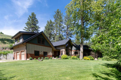 Ravalli County Single Family Home For Sale: 2126 Middle Burnt Fork Rd