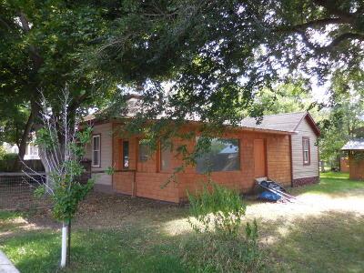 Hamilton Single Family Home For Sale: 611 N 6th St