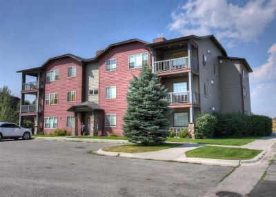 Livingston Condo/Townhouse For Sale: 2221 Willow Drive #202 B