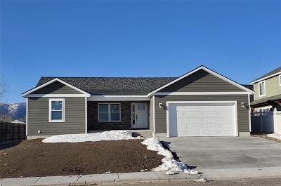 Livingston Single Family Home For Sale: 2205 Constellation Drive