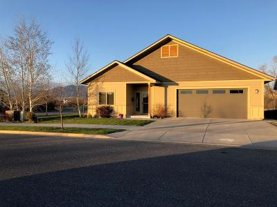 Single Family Home Sold: 1594 N Hunters Way