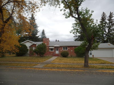 Conrad Single Family Home For Sale: 121 5th Ave SW
