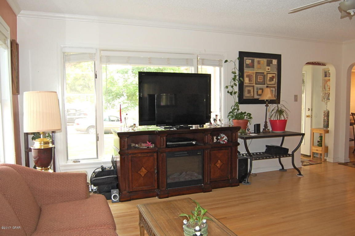 Superb The Living Room Great Falls Mt Delectable Listing 1609 2Nd Ave So Great  Falls Mt Part 38