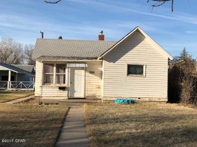 Conrad Single Family Home For Sale: 306 S Delaware