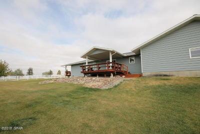 Fairfield Single Family Home For Sale: 6 2nd Rd NE
