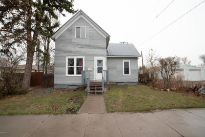Great Falls  Single Family Home For Sale: 713 14th St N