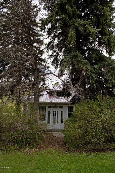 Highwood Single Family Home For Sale: 141 S Danburk