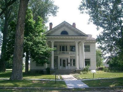 Stevensville Single Family Home For Sale: 100 College St