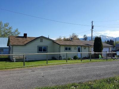 Lake County Single Family Home Under Contract Taking Back-Up : 716 1st Avenue South East