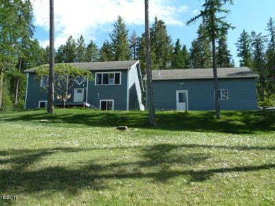Lakeside Single Family Home For Sale: 160 Tamarack Woods