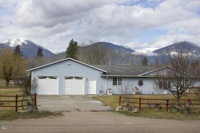 Stevensville Single Family Home For Sale: 159 Log Cabin Lane