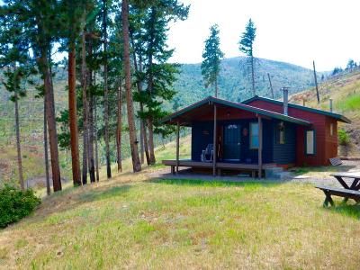Missoula MT Single Family Home Under Contract Taking Back-Up : $235,000