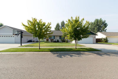 Lolo Single Family Home Under Contract Taking Back-Up : 5573 Explorer Court