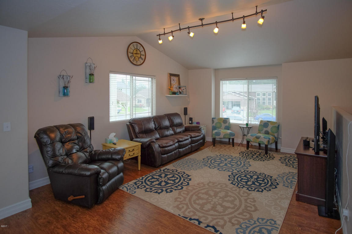 Living Room Furniture Kalispell Listing 632 Mountain View Drive Mt Mls 21710652