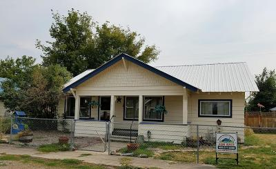 Lake County Single Family Home Under Contract Taking Back-Up : 407 Buchanan Street South West