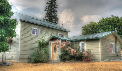 Thompson Falls Single Family Home Under Contract Taking Back-Up : 304 Washington Street