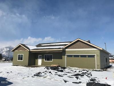 Stevensville Single Family Home Under Contract with Bump Claus: 216 Tenderfoot Lane
