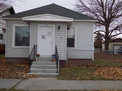 Lake County Single Family Home For Sale: 10 6th Avenue East