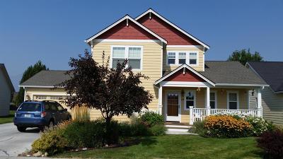 Hamilton Single Family Home For Sale: 174 Silverberry Street