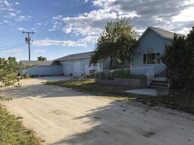 Stevensville Multi Family Home For Sale: 106 Pine Hollow Road