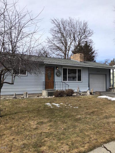 Missoula Single Family Home Under Contract Taking Back-Up : 17 Virginia Drive