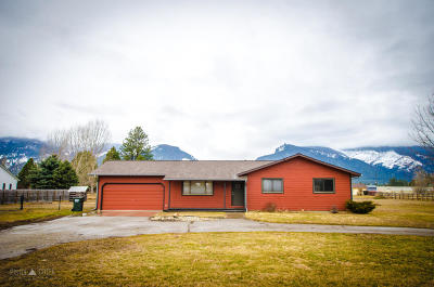 Stevensville Single Family Home Under Contract Taking Back-Up : 4037 Houk Way