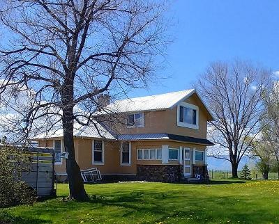 Lake County Single Family Home For Sale: 43299 Round Butte Road