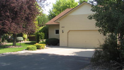 Missoula Single Family Home Under Contract Taking Back-Up : 1820 Mullan Trail