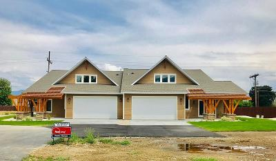 Hamilton Single Family Home For Sale: 8 Lonepine Trail