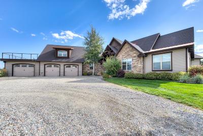 Hamilton Single Family Home For Sale: 824 Heather Lane