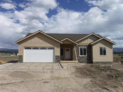 Stevensville Single Family Home Under Contract Taking Back-Up : 3046 Delaford Loop