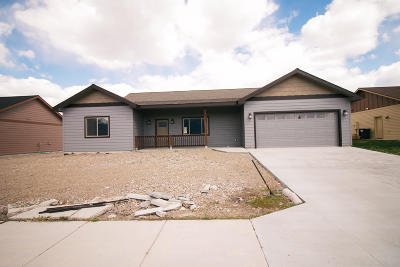 Stevensville Single Family Home Under Contract Taking Back-Up : 3556 Hitching Post Lane