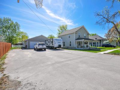 Single Family Home Pending: 208 Pine Street