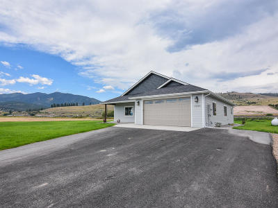 Single Family Home For Sale: 13550 Gordon Drive
