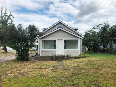 Lincoln County Single Family Home For Sale: 1015 Mineral Avenue