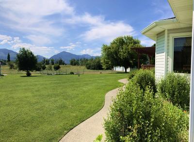 Hamilton Single Family Home For Sale: 854 Legacy Loop