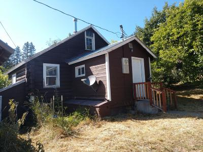 Mineral County Single Family Home For Sale: 104 & 108 Apple Lane