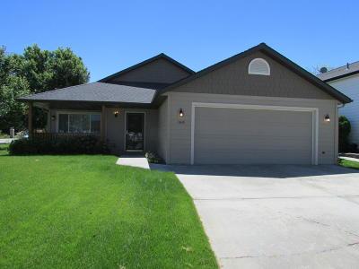 Hamilton Single Family Home For Sale: 160 Meadow Drive