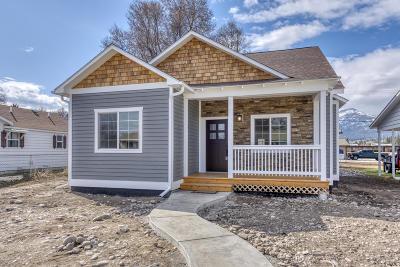 Hamilton Single Family Home For Sale: 215 North 7th Street